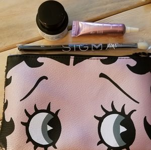 🌟4 for $20🌟Betty Boop Ipsy Makeup Bag & 3 items